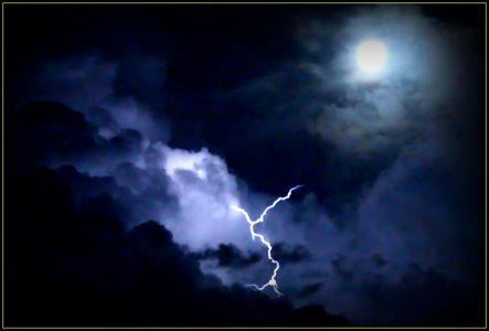 AWESOME Storm with Super Moon :D