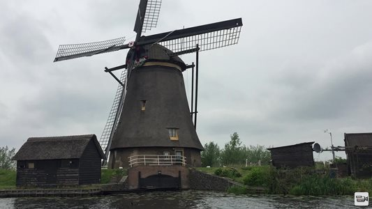 windmills of holland 2